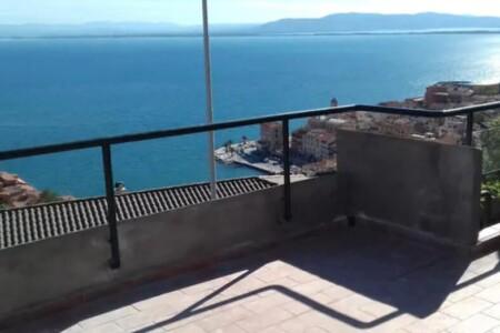 The Silver Sea 14 hostsbnb